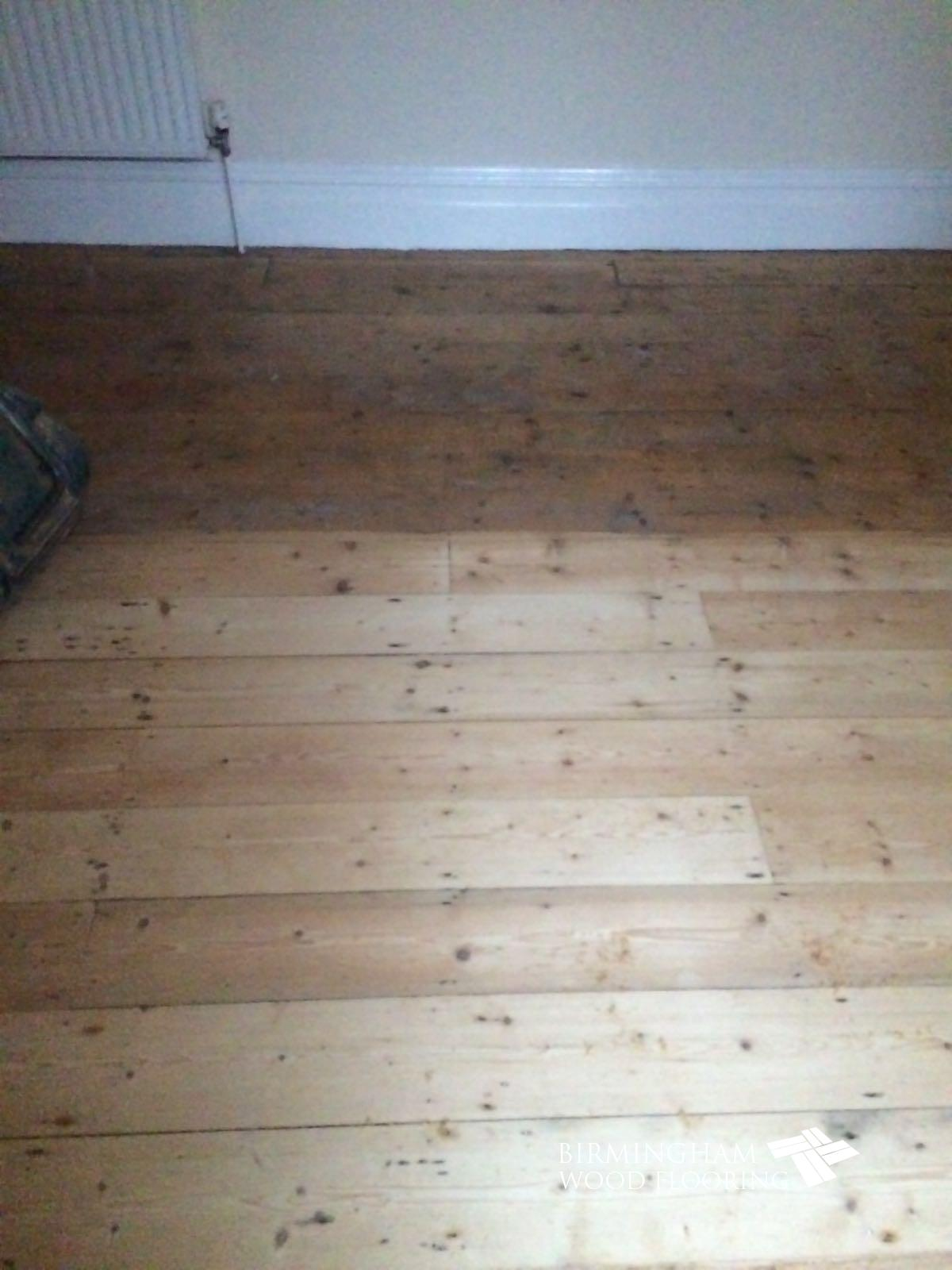 Wood-floor-being-sanded-2