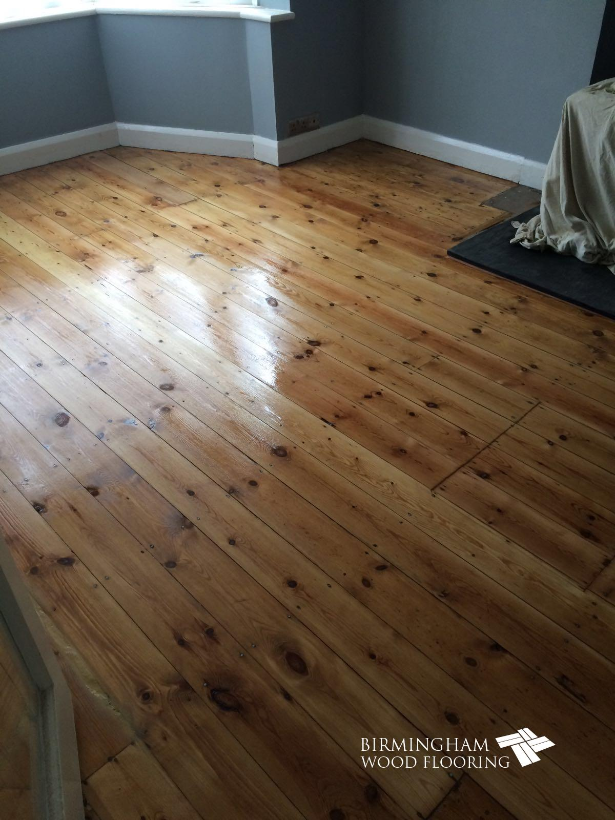 Wood-floor-sanded-and-lacquereed-2